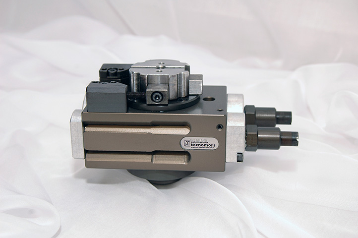 Attuatore rotante pneumatico_Pneumatic swivel and turning unit